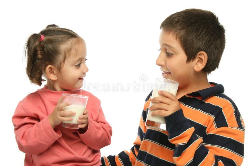 pij brat mi siostrę zdjęcie stock