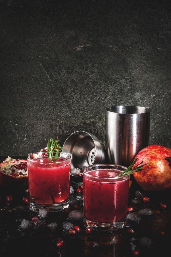 Pijacki alkoholiczny granatowa koktajl fotografia royalty free