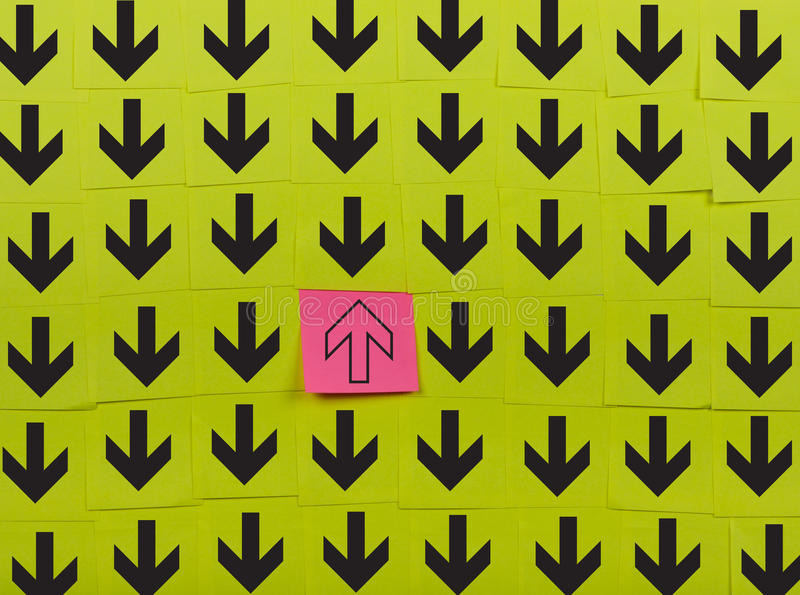 pijlen Tegenovergesteld richtingsconcept vector illustratie