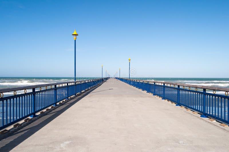 Pijler in Brighton Beach, Christchurch, Nieuw Zeeland stock afbeelding