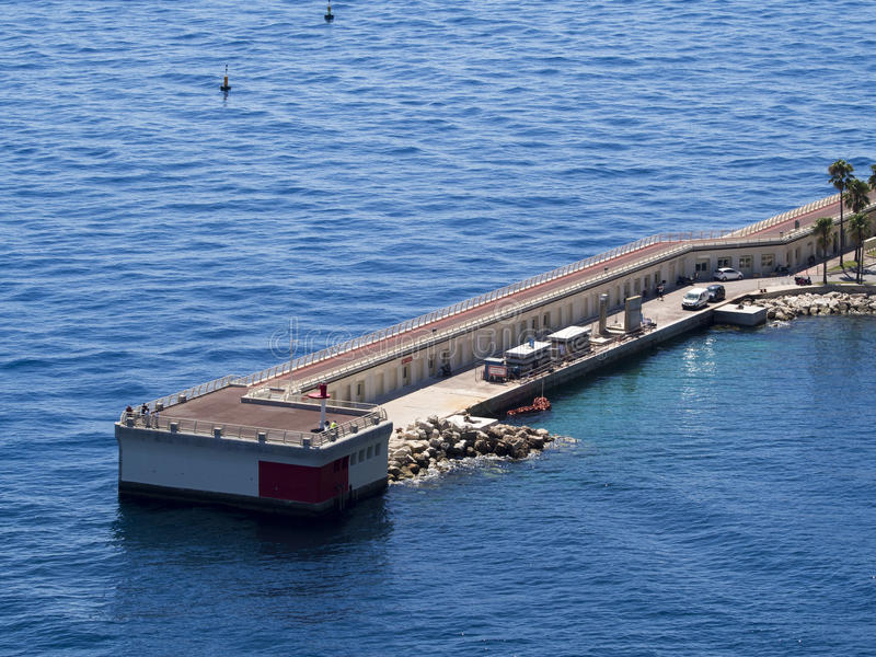 Pijler in de haven van Fontvieille, Monaco stock fotografie