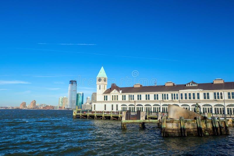 Pijler A in de horizon New York van Manhattan van het Batterijpark royalty-vrije stock afbeeldingen