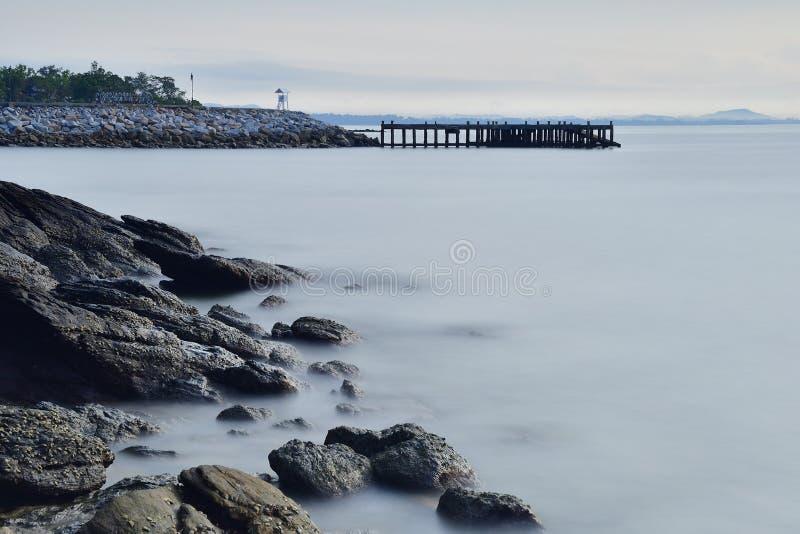 Pijler op de kust van Thailand royalty-vrije stock foto's