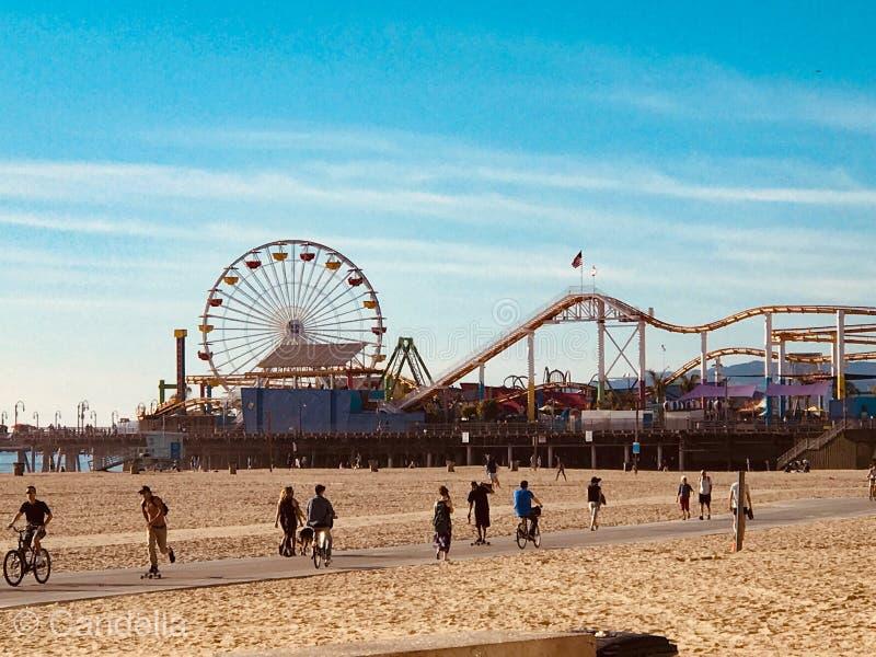 Pijler in Santa Monica Beach, Californië stock foto's