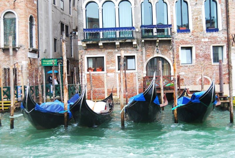 Pijlergondel in Venetië stock foto's