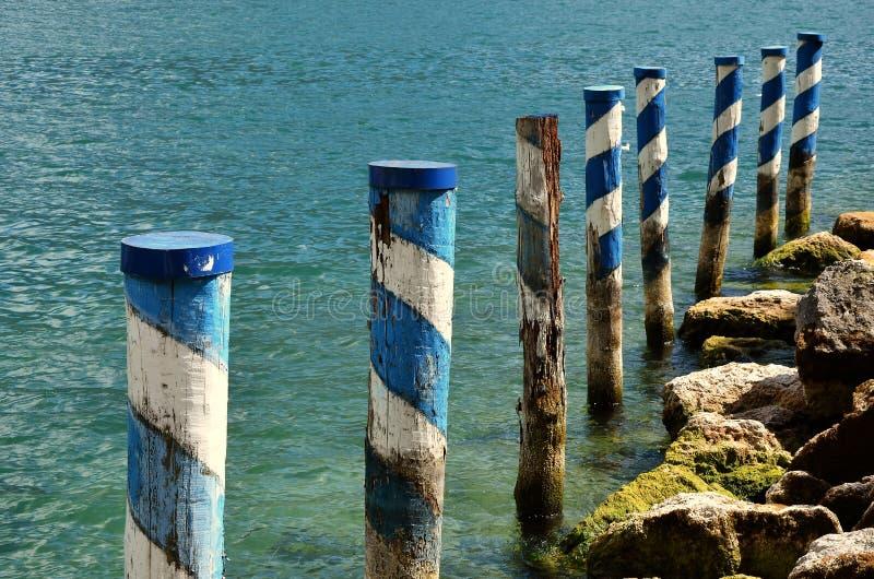 Pijlers in water royalty-vrije stock afbeelding