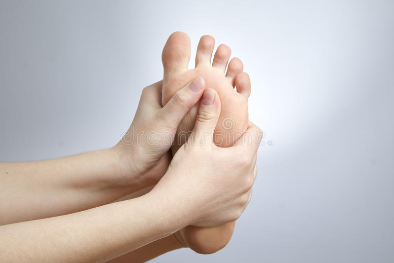 Pijn in de vrouwelijke voet