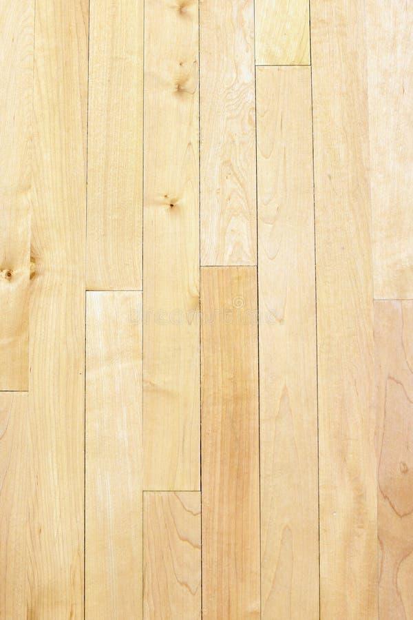 Pijnboomvloer van basketbalhof stock fotografie