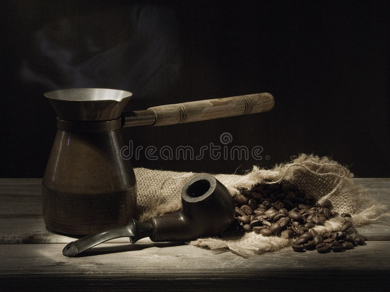 Pijp en koffie stock afbeeldingen