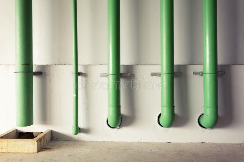 Pijp voor het systeemcontrole van waterleidingen en vuurleidingssysteem binnen royalty-vrije stock afbeeldingen