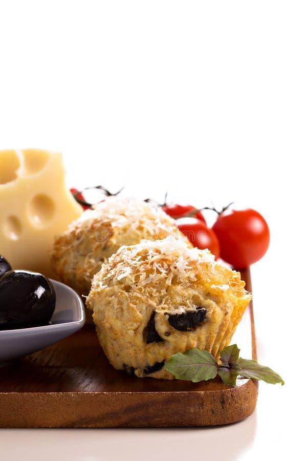 Pikantni muffins z parmesan serem fotografia stock