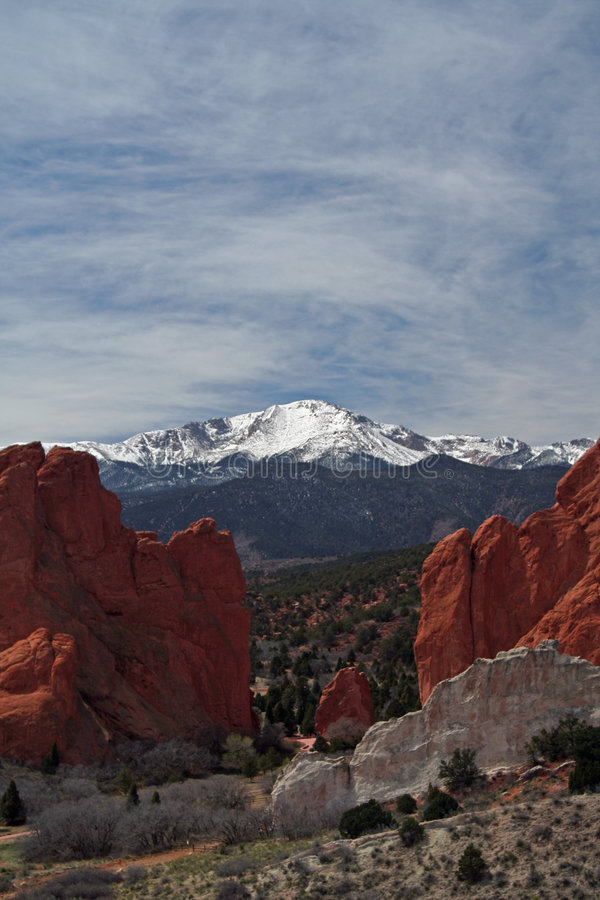 Free Pikes Peak From The Garden Of The Gods Stock Photography - 5534652
