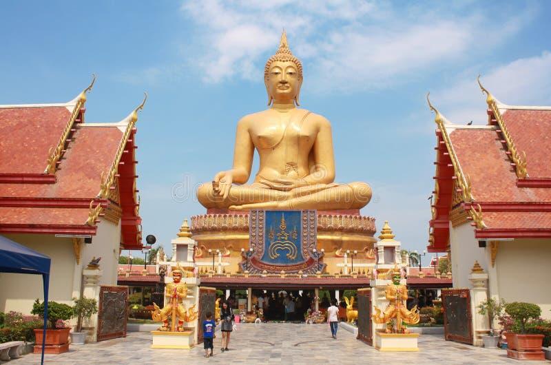 Pikul läderremtempel, Singburi Thailand royaltyfri fotografi