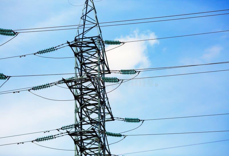 Pilão da transmissão da eletricidade fotografia de stock royalty free