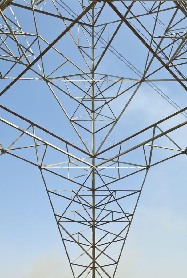 Pilão de alta tensão da potência da eletricidade foto de stock royalty free