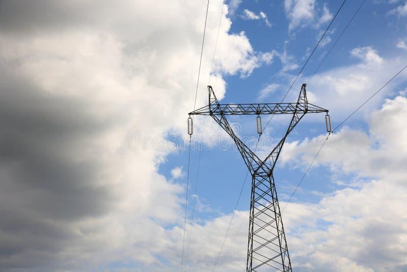 Download Pilão elétrico imagem de stock. Imagem de céu, azul, elétrico - 29833239