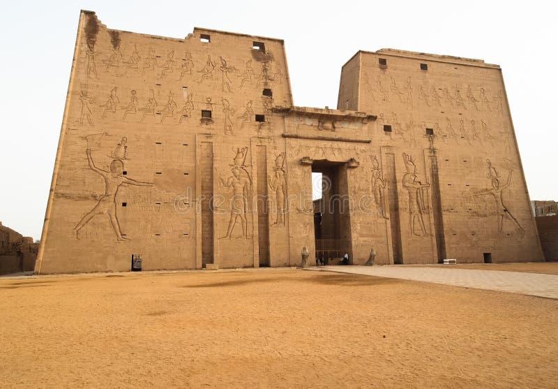Pilón del templo de Edfu fotografía de archivo libre de regalías