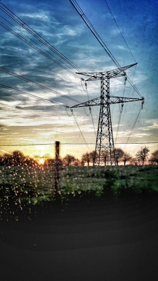 Pilón eléctrico en la luz de la mañana imágenes de archivo libres de regalías