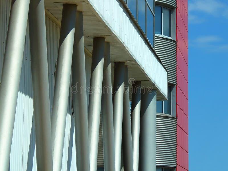 Pilões de construção contra um céu imagem de stock royalty free