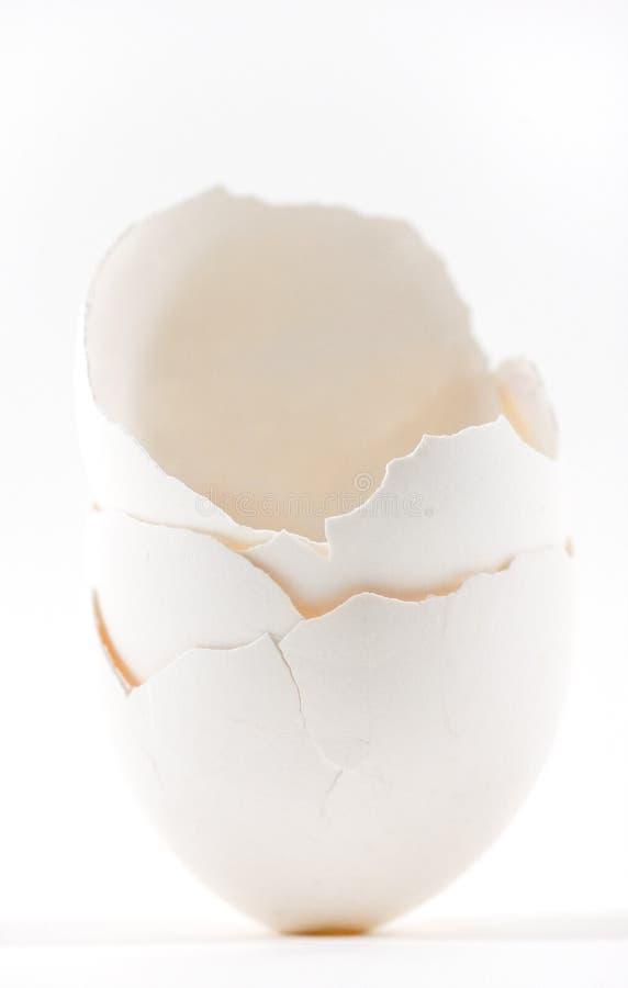 Pila agrietada de la cáscara de huevo fotos de archivo libres de regalías