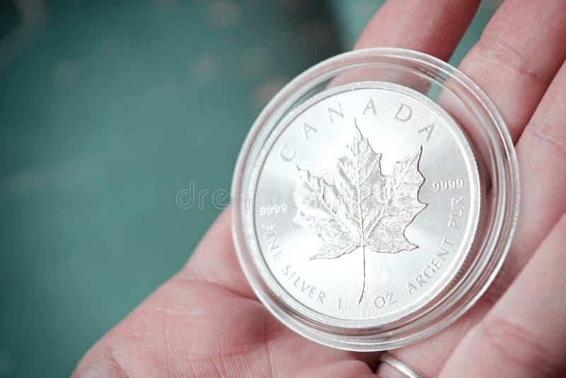 Pila canadese della moneta d'argento della foglia di acero immagine stock libera da diritti