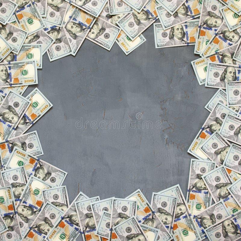 Pila de billetes de dólar imágenes de archivo libres de regalías