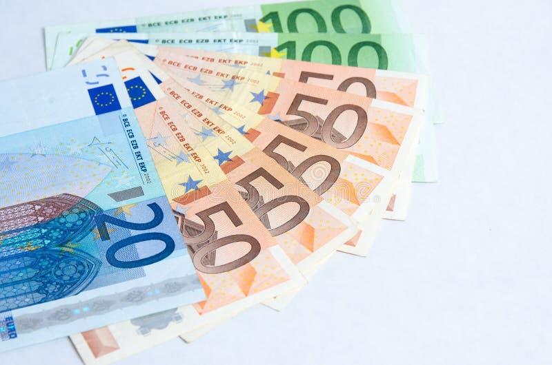 Pila de billetes de banco euro aislados imagen de archivo libre de regalías