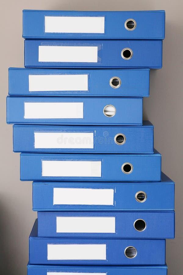 Pila de carpetas de archivos fotos de archivo libres de regalías