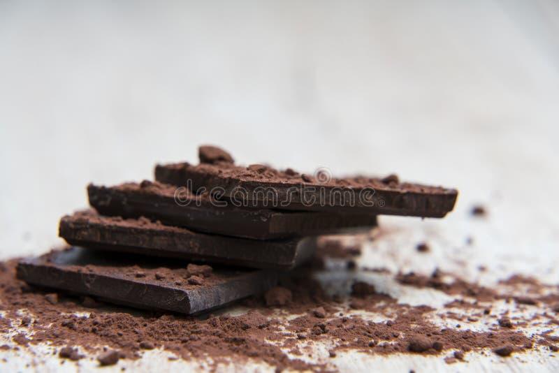 Pila de chocolate oscuro imágenes de archivo libres de regalías