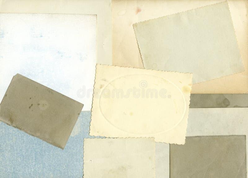 Pila de fotos viejas con el camino de recortes para el interior fotos de archivo libres de regalías