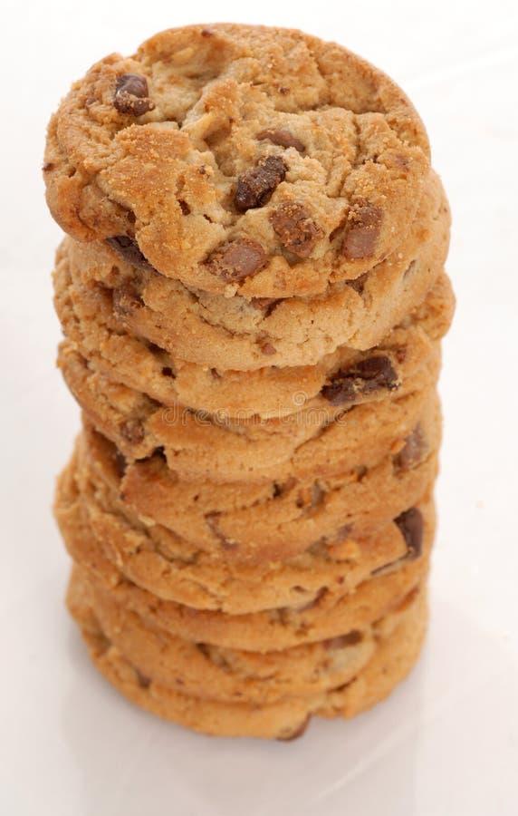 Pila de la galleta de viruta de chocolate imagen de archivo libre de regalías