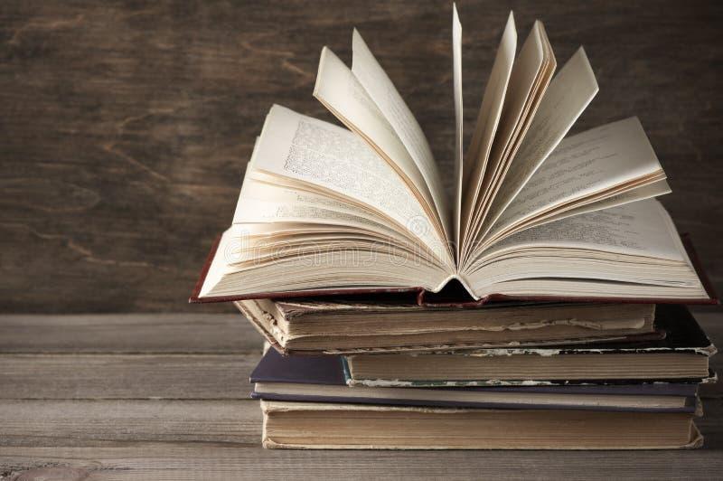 Download Pila de libros imagen de archivo. Imagen de paginación - 41906021