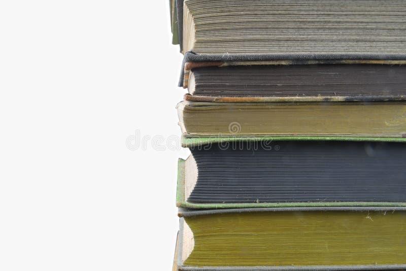 Pila de libros del vintage del hardcover aislados con el espacio de la copia Fondo blanco imagenes de archivo
