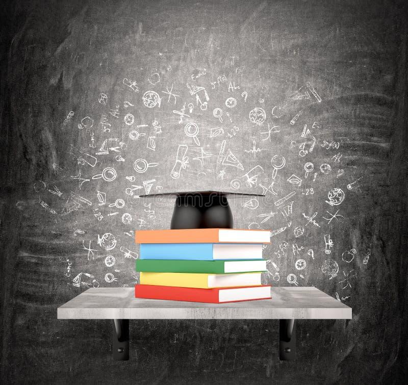 Pila de libros y de sombrero académico imagenes de archivo
