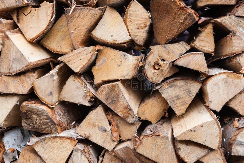 Pila de madera para la chimenea de la casa foto de archivo libre de regalías
