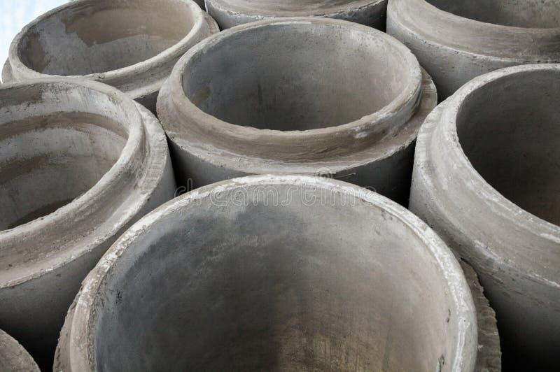 Pila de nuevos tubos concretos fotos de archivo libres de regalías