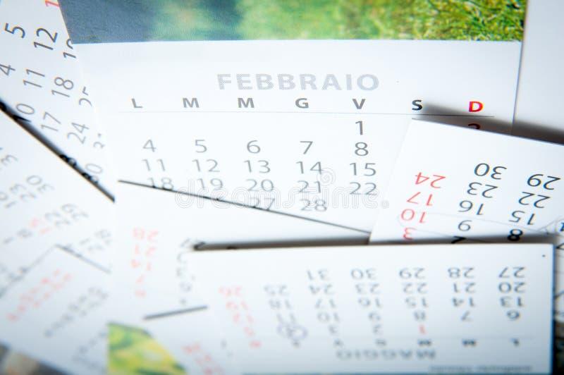 Pila de papel de los calendarios fotos de archivo