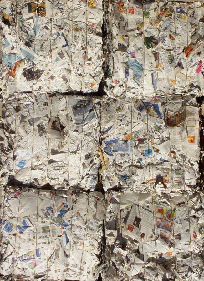 Pila de periódico fotos de archivo