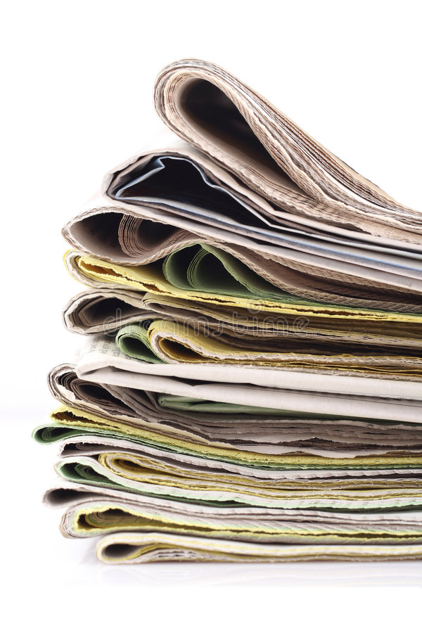 Pila de periódicos fotografía de archivo