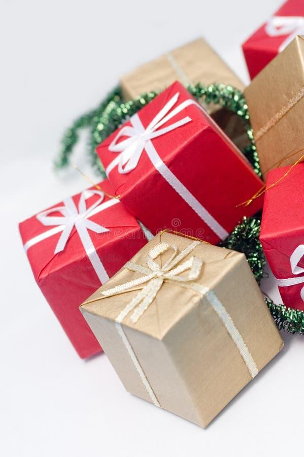 Pila de regalos foto de archivo libre de regalías