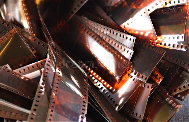 Pila de tiras de película nostálgicas fotos de archivo libres de regalías