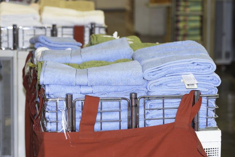 Pila de toallas suaves limpias imágenes de archivo libres de regalías