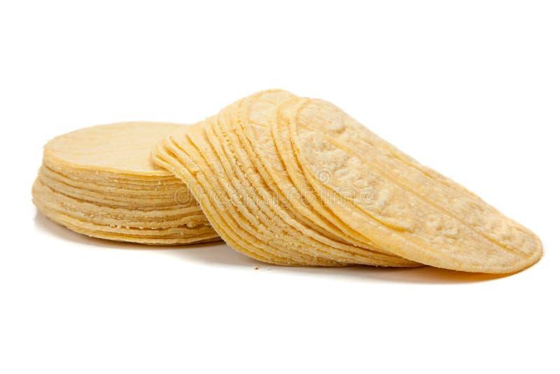 Pila de tortillas de maíz en blanco imagenes de archivo