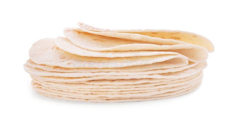 Pila de tortillas de ma?z en el fondo blanco fotos de archivo libres de regalías
