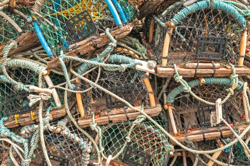Pila de trampas de los potes de cangrejo de la langosta imagenes de archivo