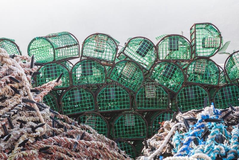 Pila de trampas para los pescados y los crustáceos de cogida fotos de archivo