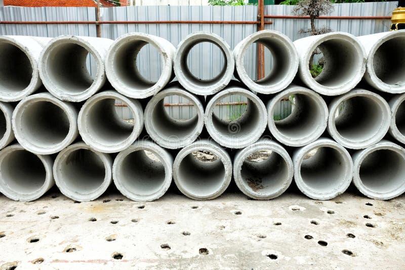 Pila de tubos concretos fotos de archivo libres de regalías