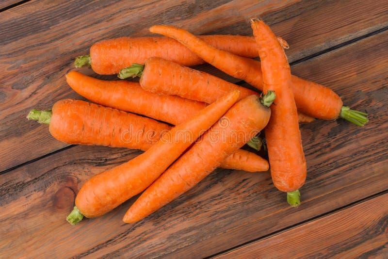 Pila de zanahorias lavadas limpias imagen de archivo libre de regalías