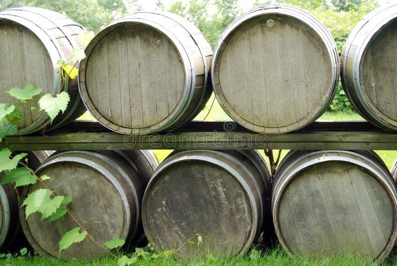 Pila del barril de vino fotografía de archivo
