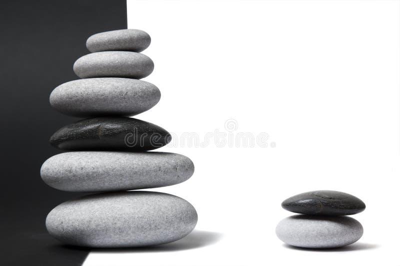 Pila del guijarro de Yin Yang foto de archivo libre de regalías